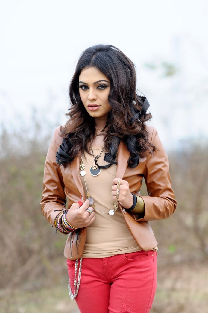 Nusrat Faria Latest hot photos (2)