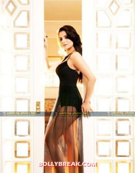 Amisha-Patel-Hot-Phofto