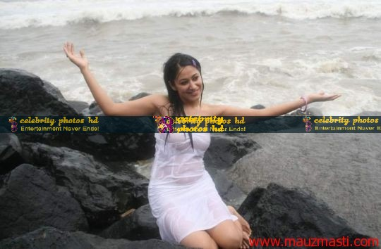 Anjali-Pandey-wet-and-sexy-in-white-1