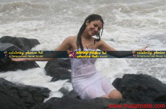 Anjali-Pandey-wet-and-sexy-in-white-7