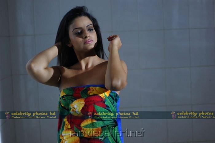 Hot Anuhya Reddy in Kullu Manali Movie
