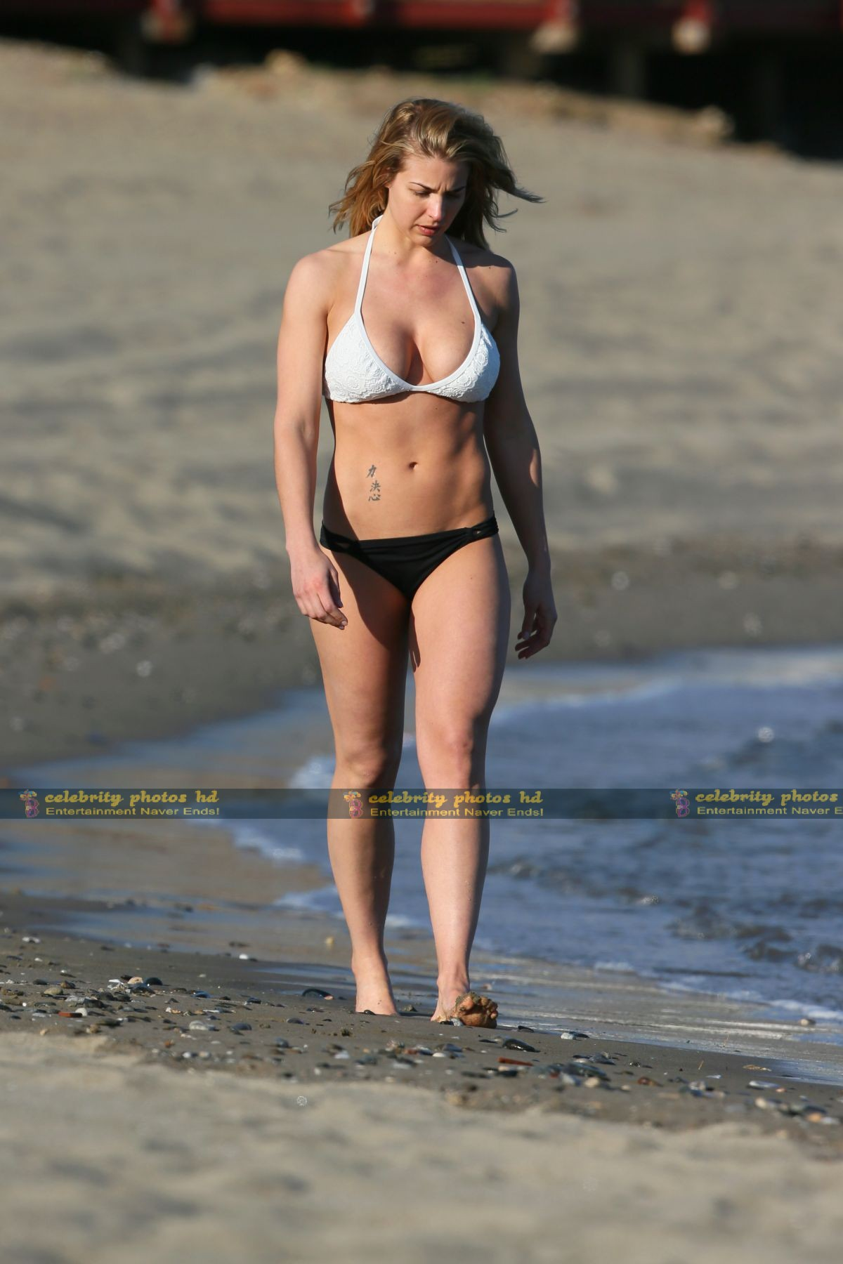 gemma-atkinson-wearing-a-bikini-in-marbella_12