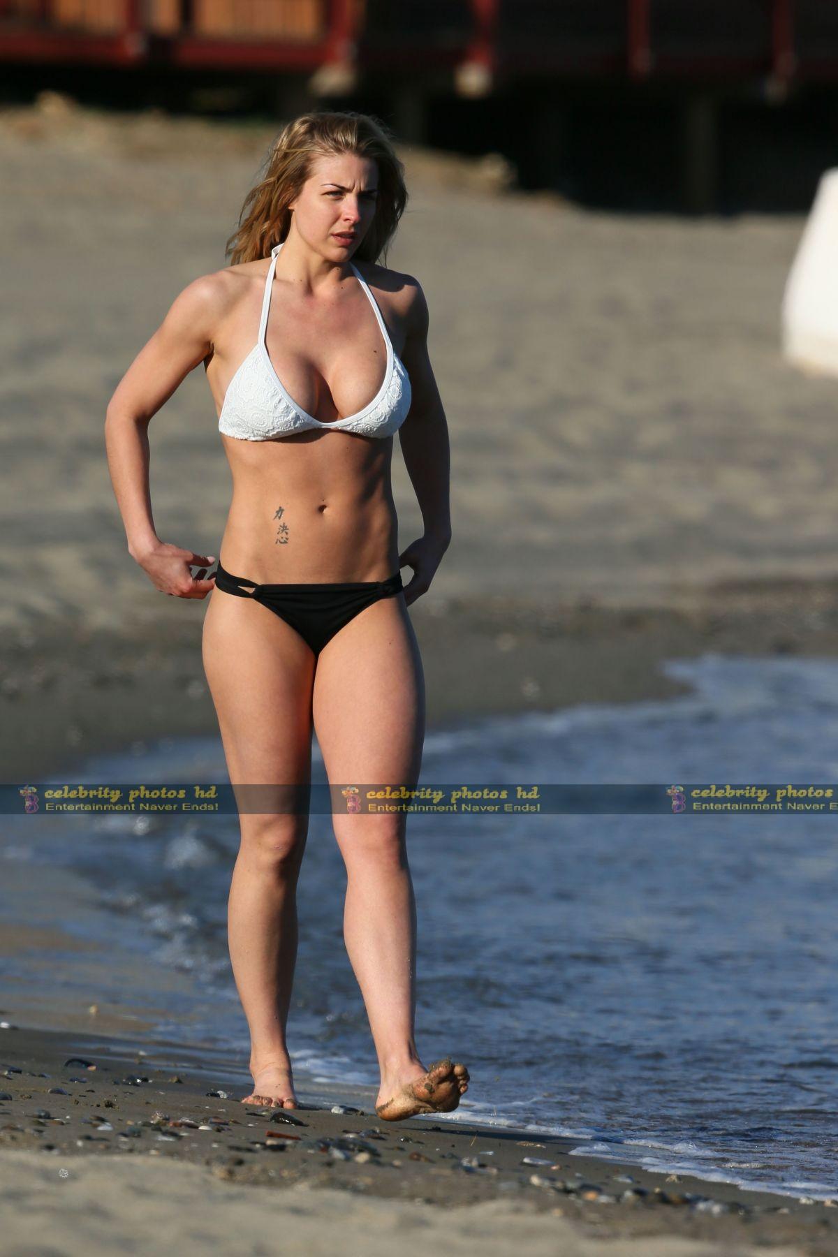 gemma-atkinson-wearing-a-bikini-in-marbella_14
