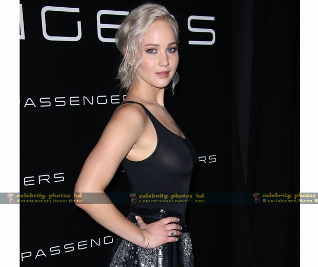 jennifer-lawrence-cinemacon-03