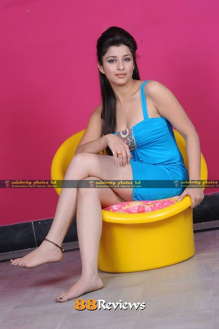 madhurima-banerjee-hot-stills