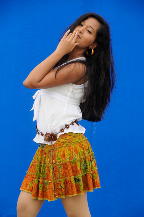 preetika_rao_hoty_photo_shoot_pics (8)