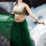 Anushka Shetty Very Hot Sexy Navel Show In Green Saree
