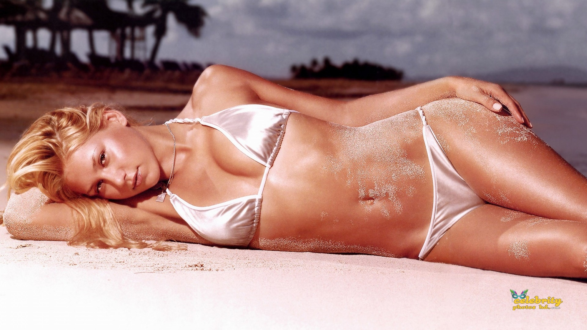 anna-kournikova-bikini