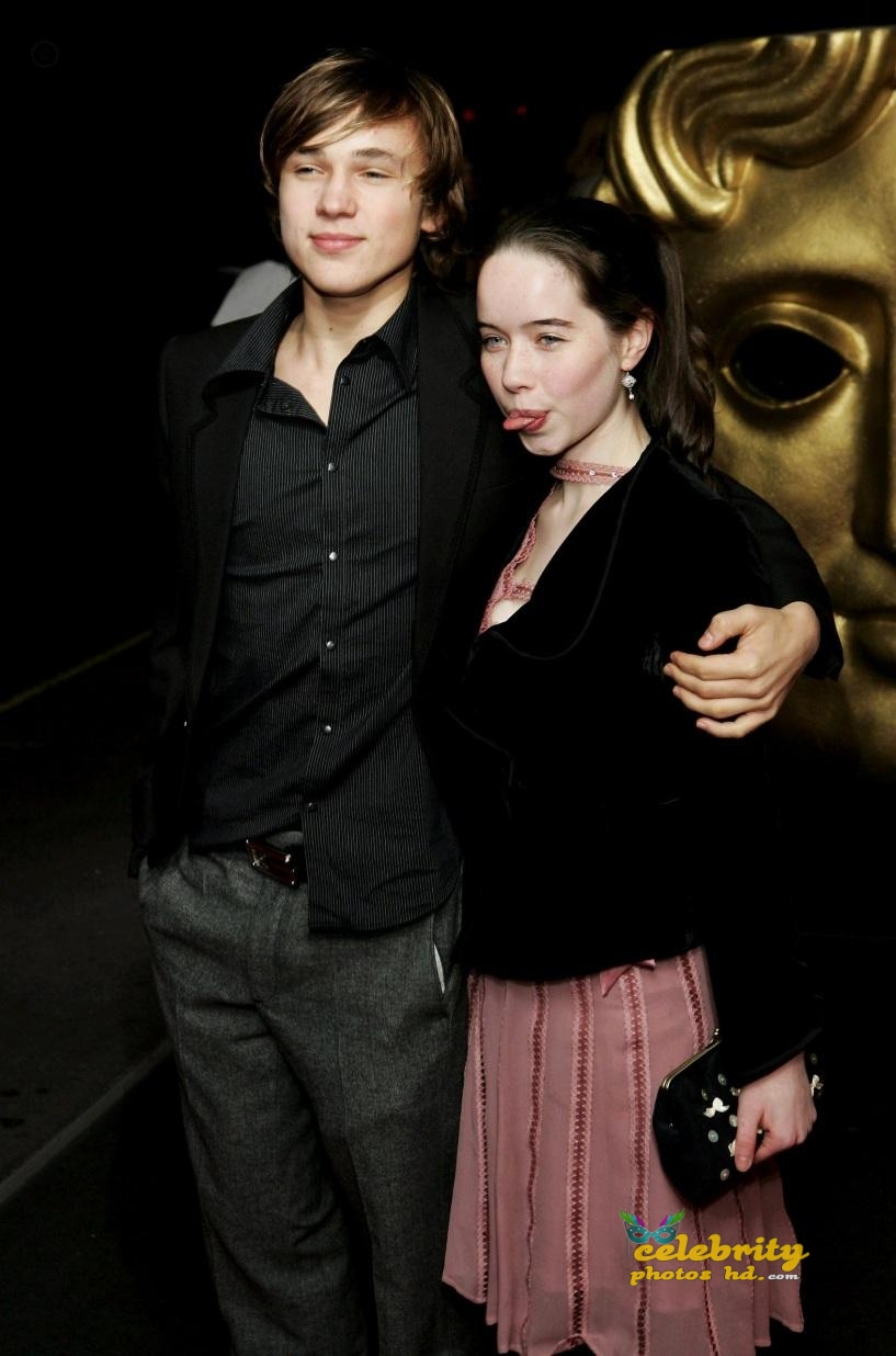 chronicles-of-narnia-actress-anna-popplewell-unseen-hot-photos-7