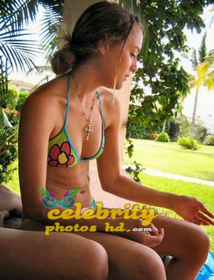 spy-kids-girl-alexa-vega-unseen-bikini-photos-2