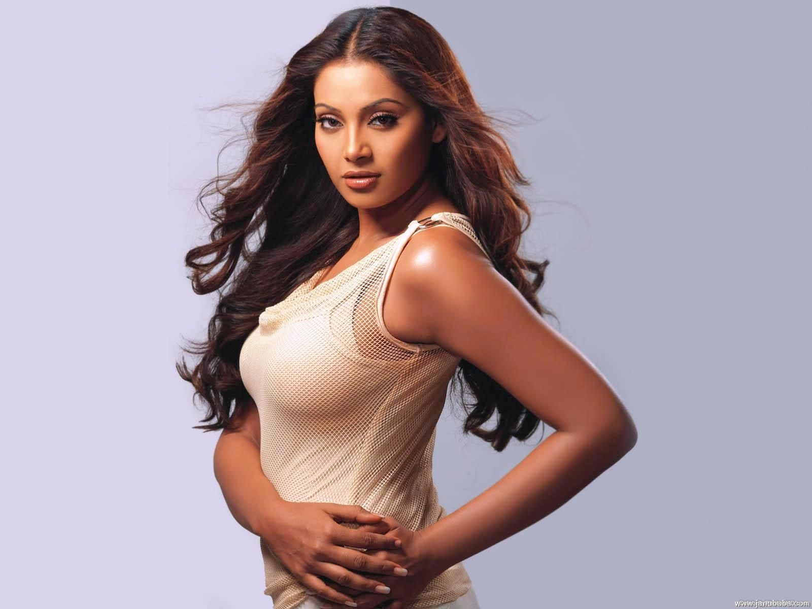 bipasha-basu-hd-wallpapers-20