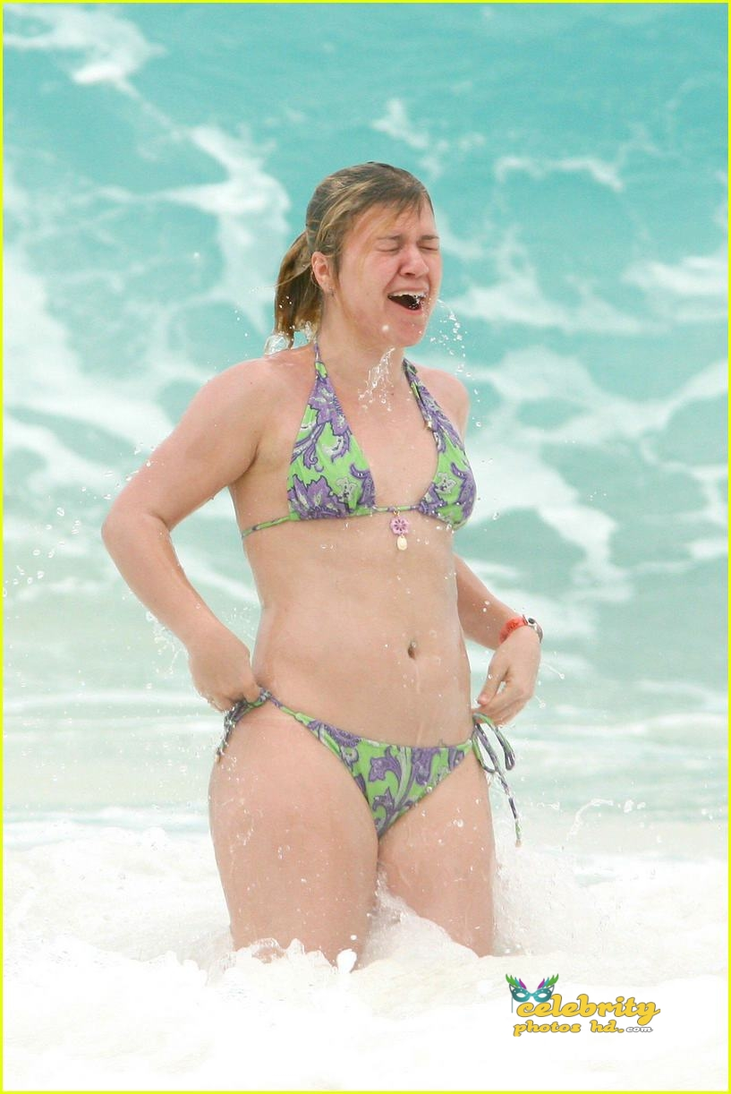 kelly-clarkson-bikini06
