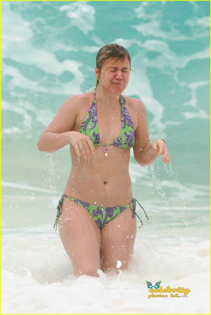 kelly-clarkson-bikini13