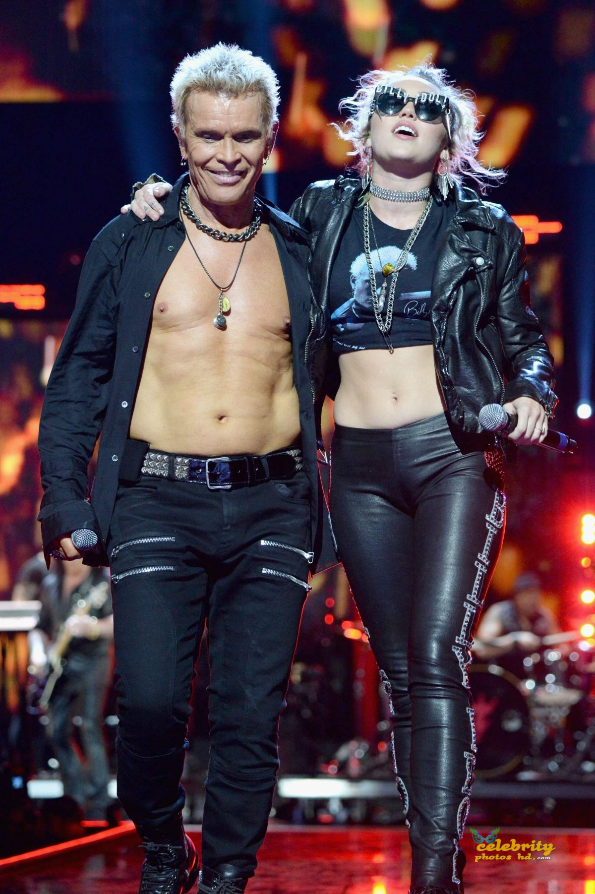 miley-cyrus-joins-billy-idol-onstage-during-the-iheartradio-festival-_7