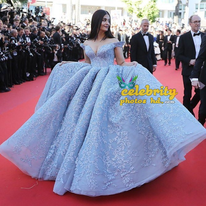 Real life fairy tale princess Aishwarya At Cannes (7)