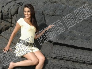 Aarti Chabria Hot Photo (6)