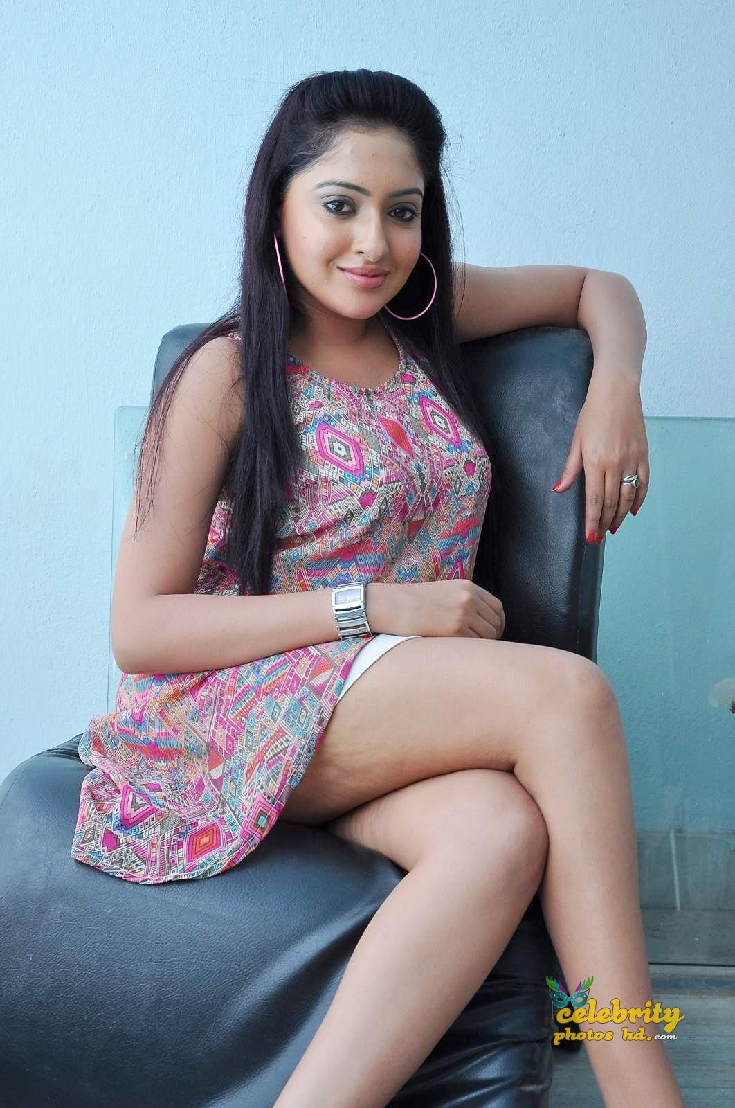 Actress Anjana Deshpande Hot Photoshoot (4)