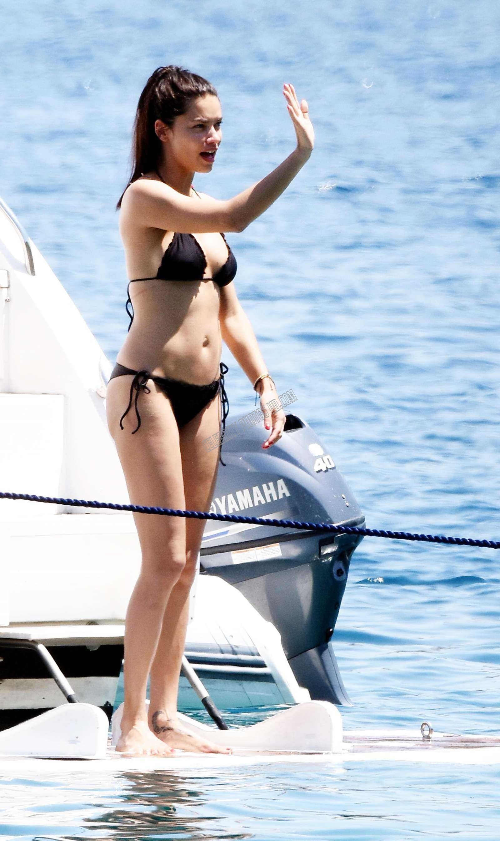 Adriana Lima Black Bikini Photos