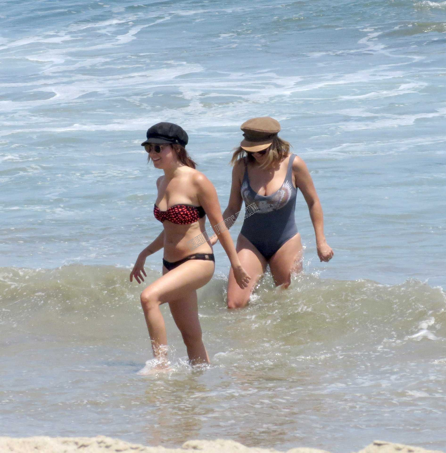 Ashley Tisdale Hot Bikini Photos (2)