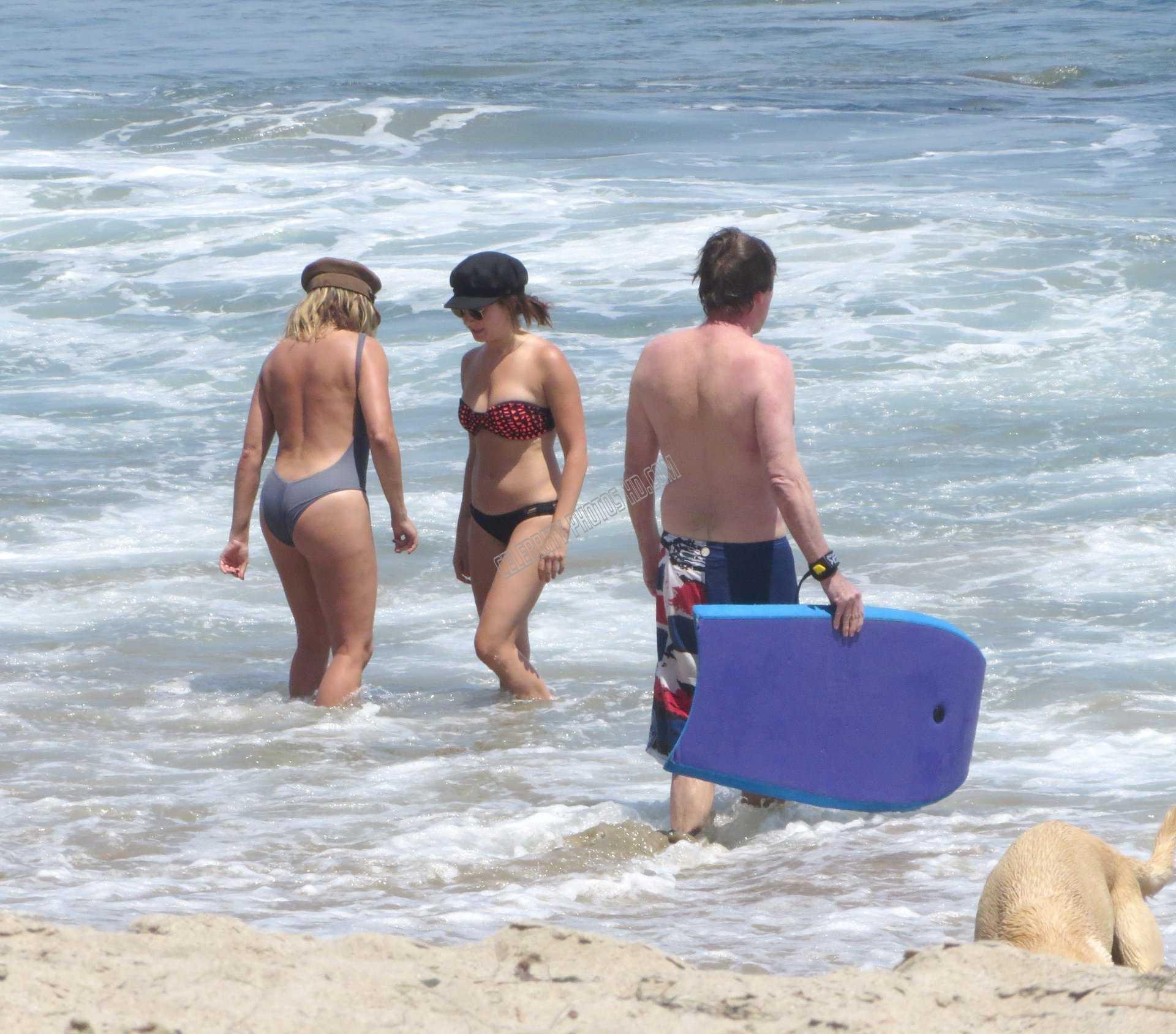 Ashley Tisdale Hot Bikini Photos (4)