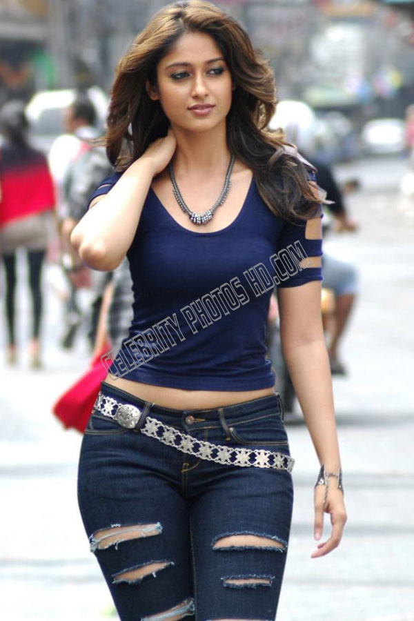 Ileana Latest Spicy Stills Exposing (1)