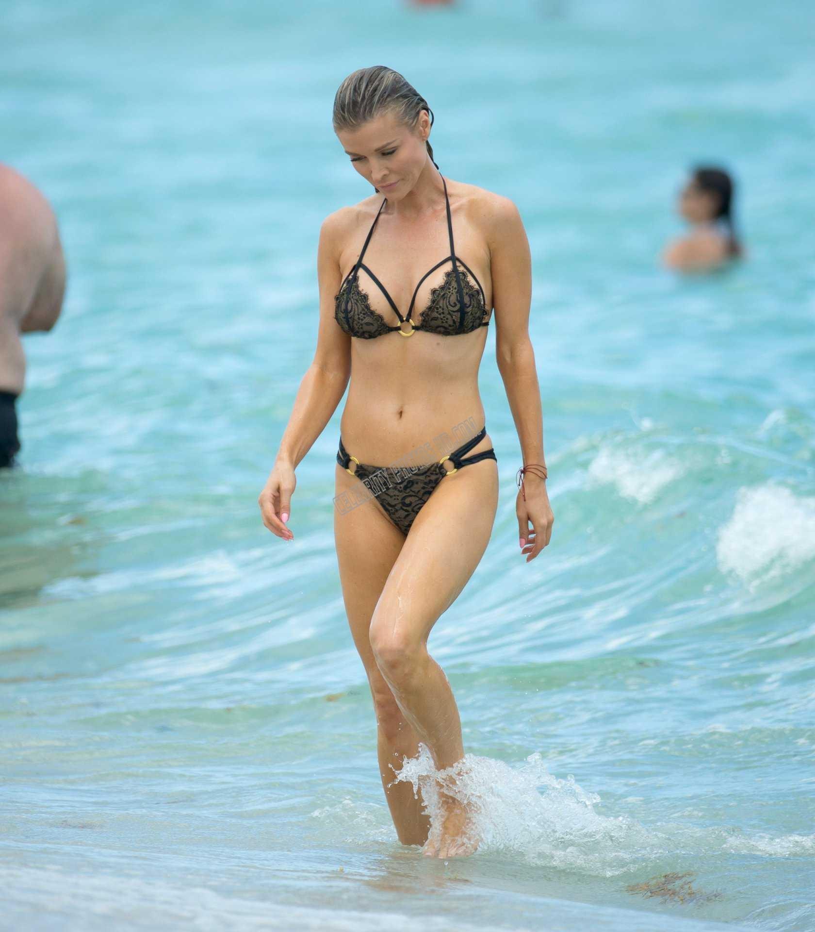Joanna Krupa Photos (5)