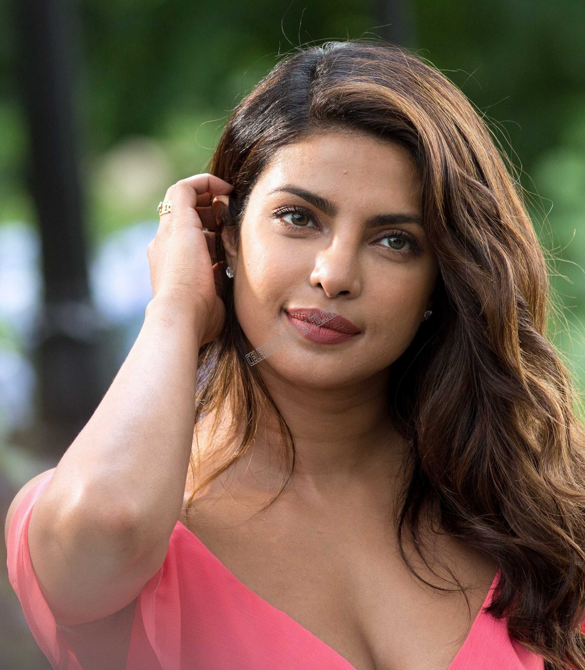 Priyanka Chopra Hot photos (7)