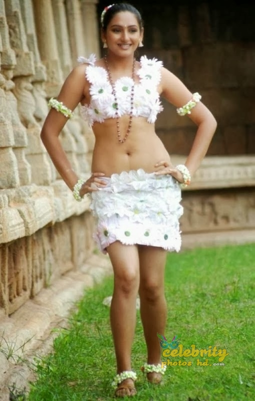 Ragini Dwivedi Hot Sexy Navel Show Photos, Images 7