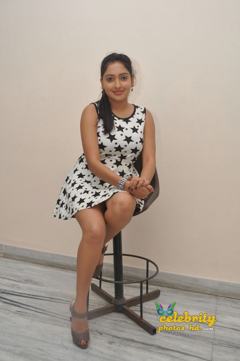 Actress Anjana Deshpande Hot Sexy photos (6)