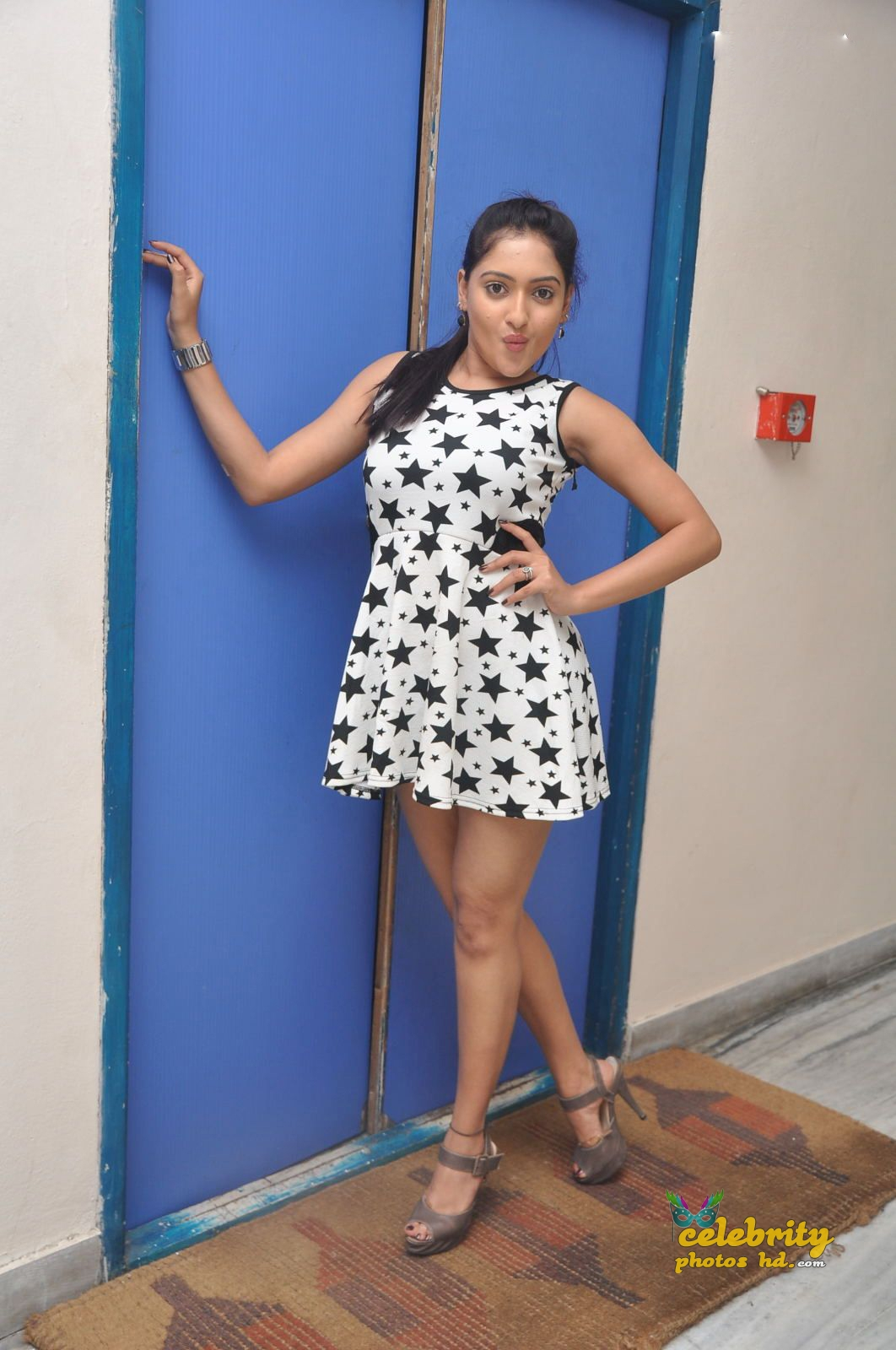 Actress Anjana Deshpande Hot Sexy photos (4)