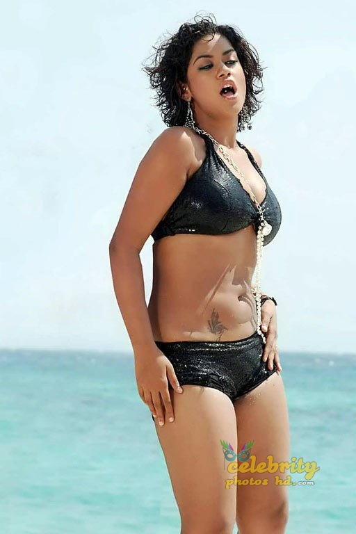 Telugu film actress Mumaith Khan Hot Photos (1)