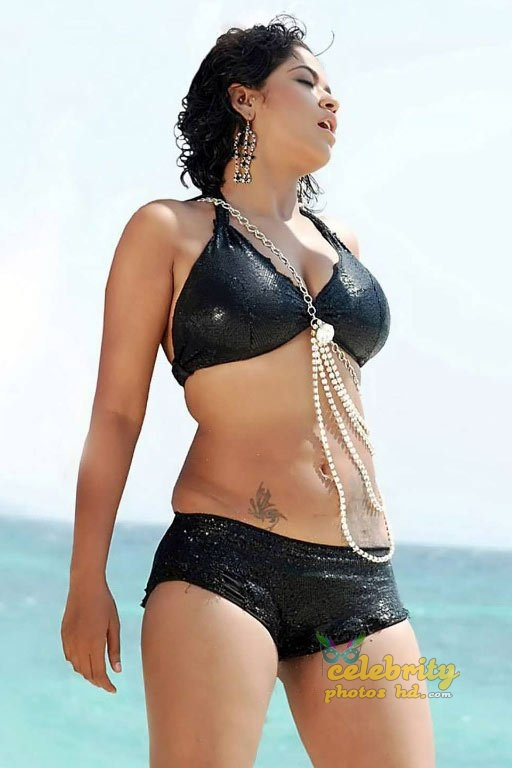 Telugu film actress Mumaith Khan Hot Photos (13)