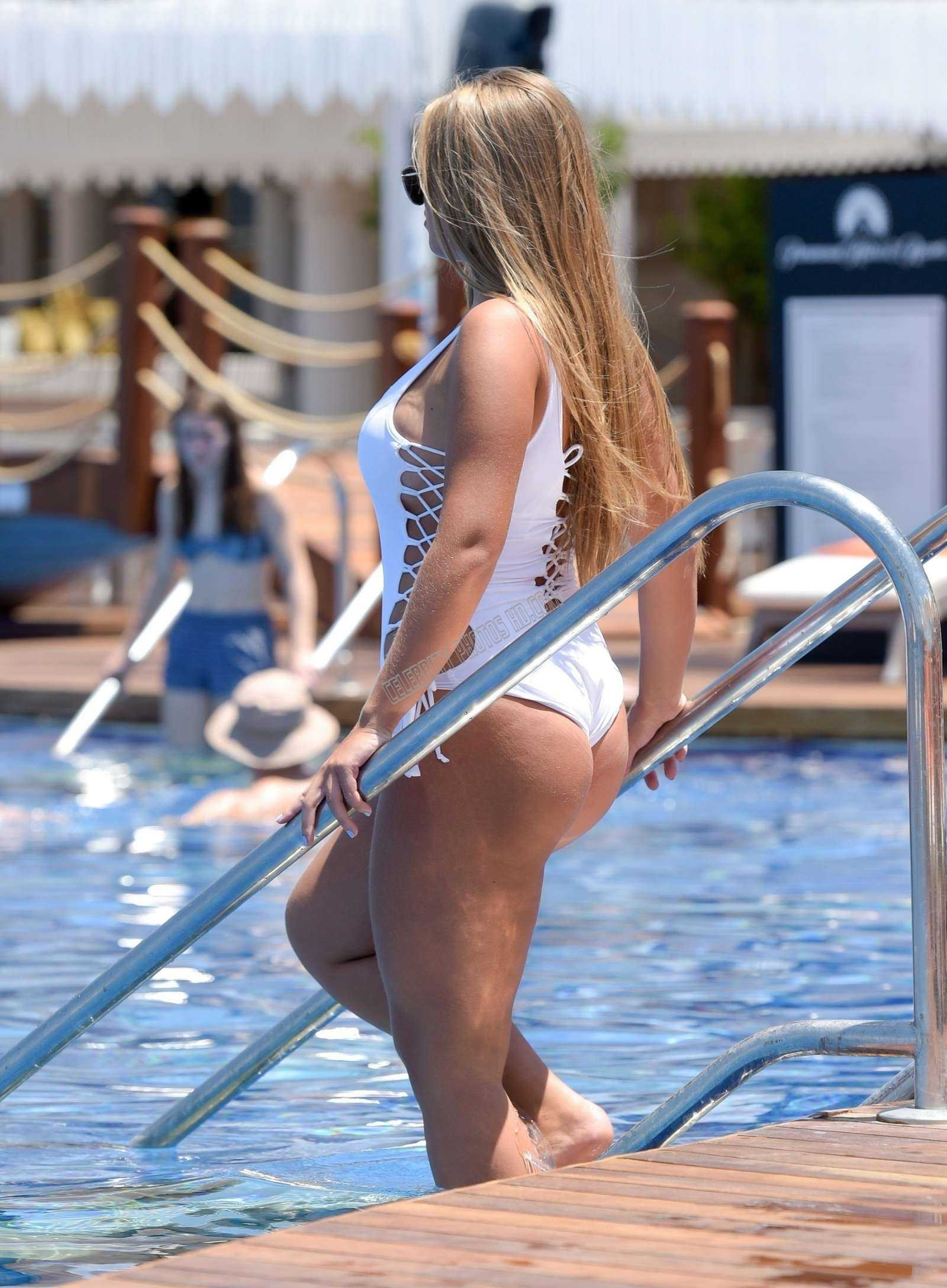 Tyne Lexy Clarson hot photos in Swimsuit (3)