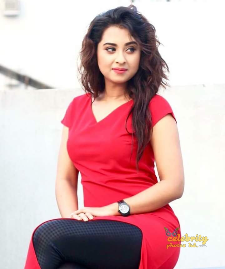 Bangladeshi Actress Shobnom Bubly (4)