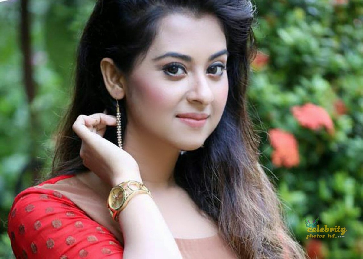 Bangladeshi Actress Shobnom Bubly (5)
