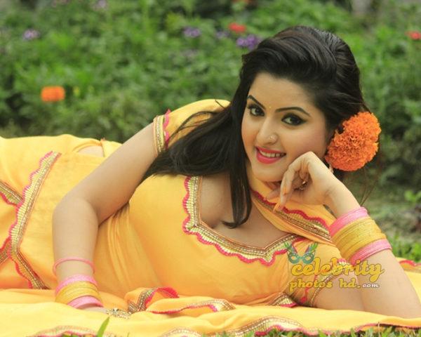 Bangladeshi actress pori moni (1)