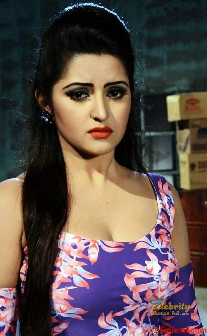 Bangladeshi actress pori moni (2)