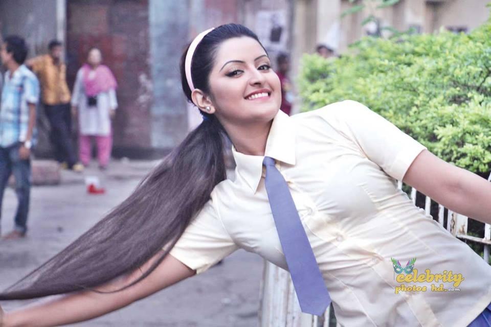 Bangladeshi actress pori moni (4)
