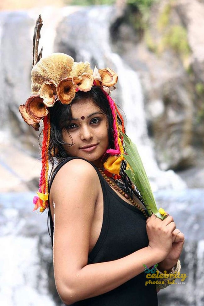 Hot Spicy Actress Arunthathi (6)