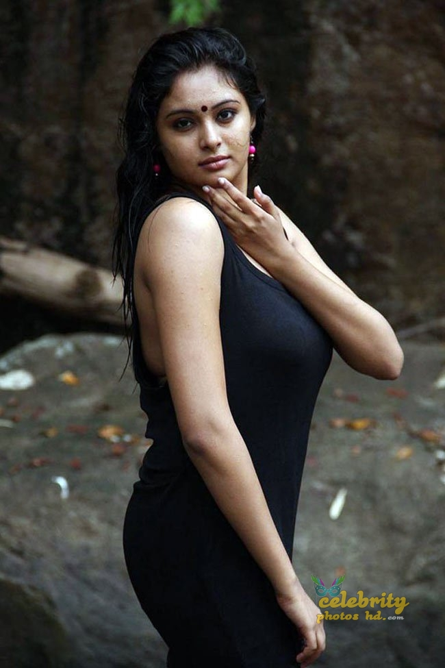 Hot Spicy Actress Arunthathi (7)