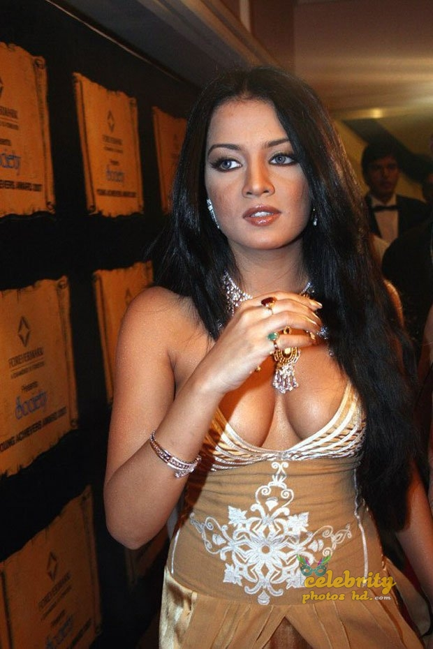 Hot actress Celina Jaitly (6)
