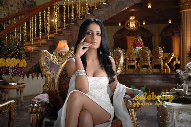 Hot actress Celina Jaitly (7)
