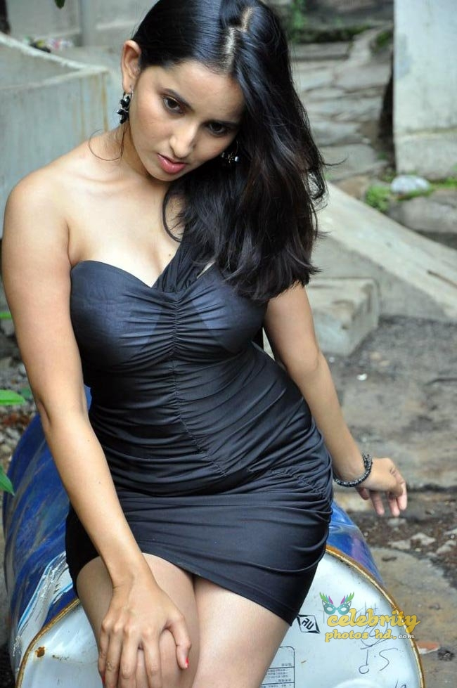 Hot actress Rishika singh (2)