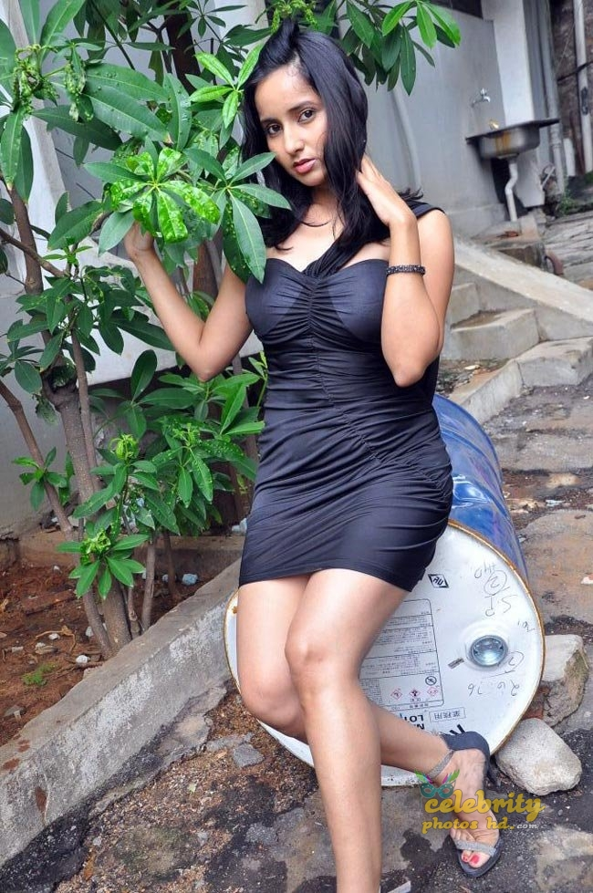 Hot actress Rishika singh (4)