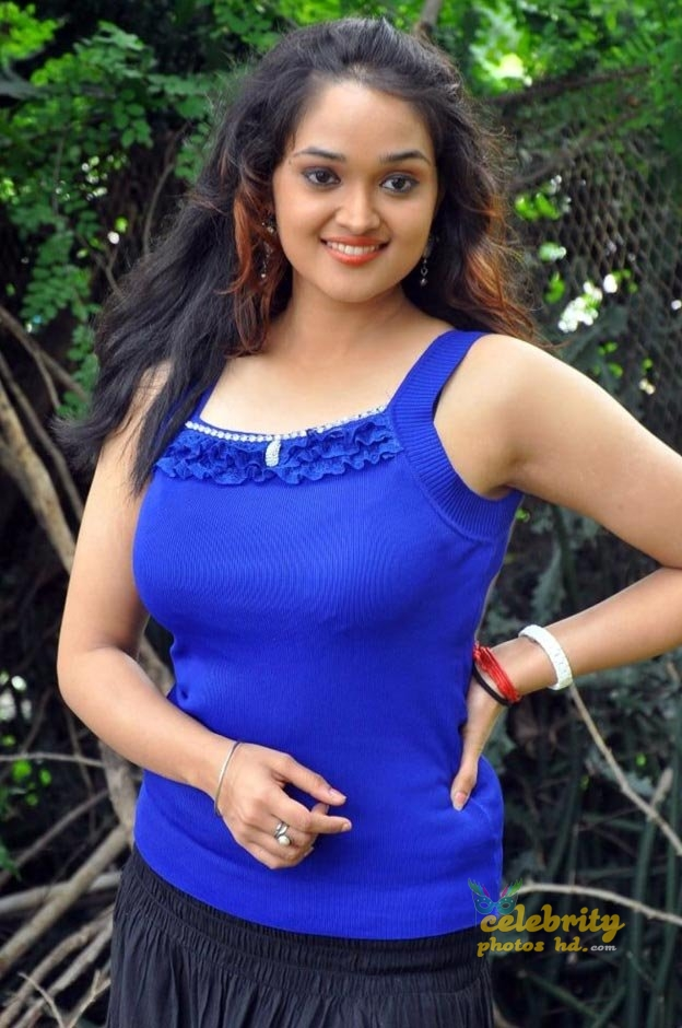 Masala actress Mounika (2)