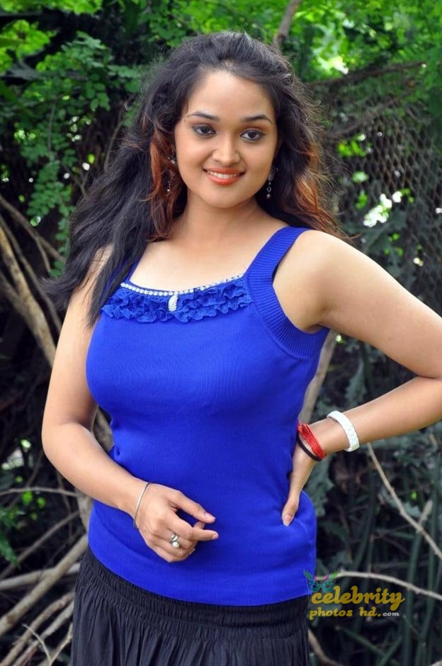 Masala actress Mounika (3)