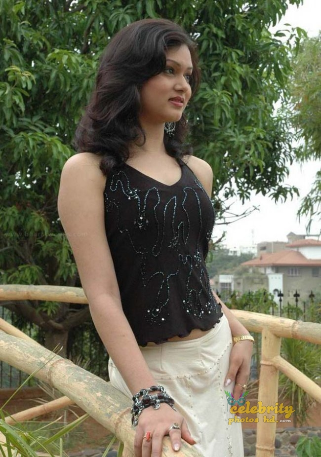 Model Shikha hot photos (5)
