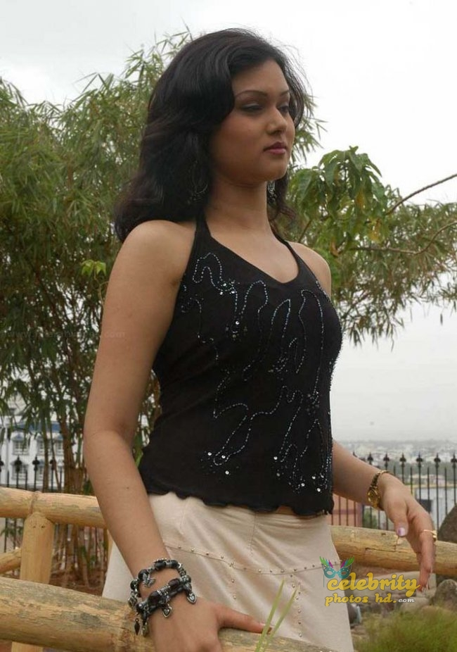 South Indian Model Shikha images