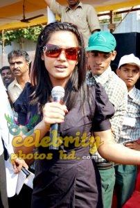 Stunning Neetu Chandra (9)