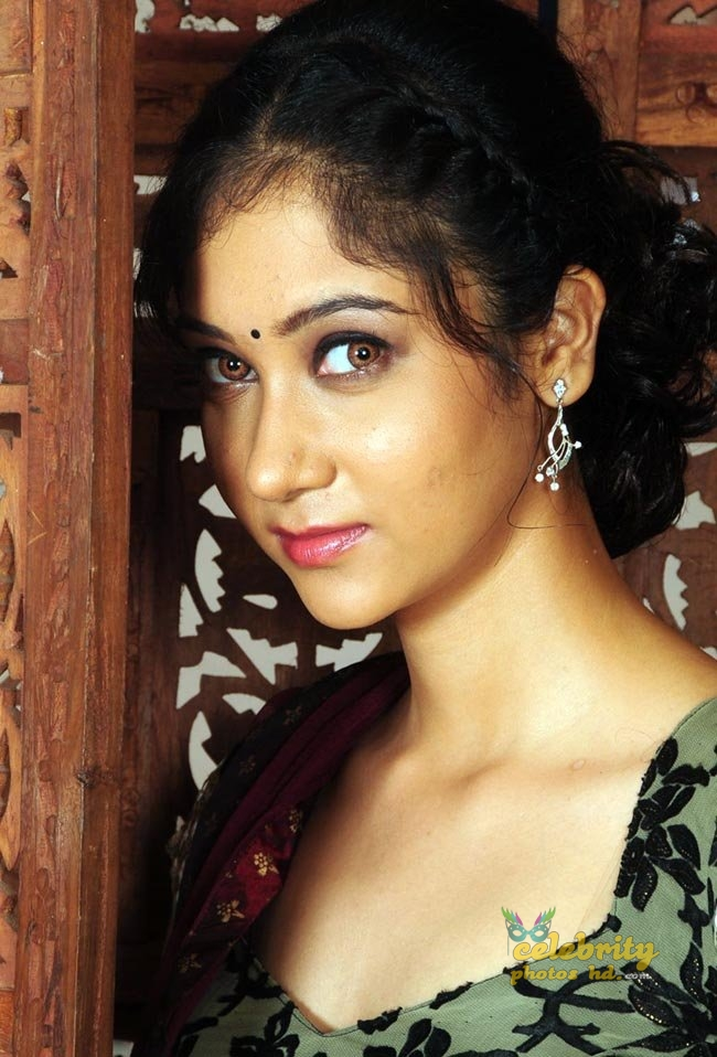 Tollywood actress Sindhu-Affan hot photos (2)